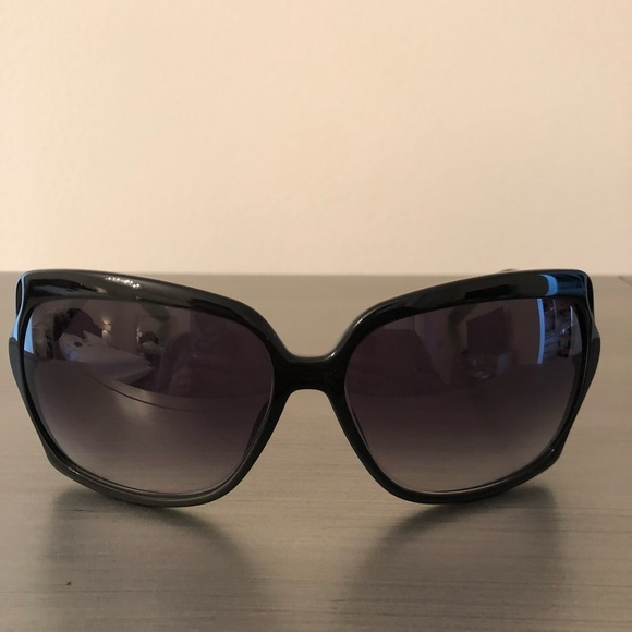 dcb0b144a268a Gucci Accessories - Gucci sunglasses with bamboo detail